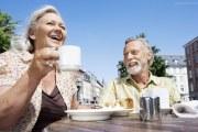 老年人怎么选择奶粉