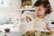 3岁不是停奶期,三岁以上的宝宝同样需要喝奶粉