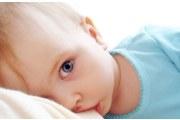 对宝宝来说母乳要喂多久合适?