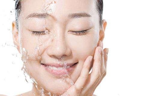 美容院的护肤品好_盐水洗脸祛痘吗 用盐水洗脸真能去痘吗?