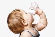 宝妈必知 冲泡好的奶粉可以放多久?