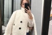 颗粒绒大衣和羊毛大衣哪个性价比更高?