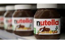 没人能拒绝一口蘸着nutella巧克力酱的小饼干,小偷也不例外