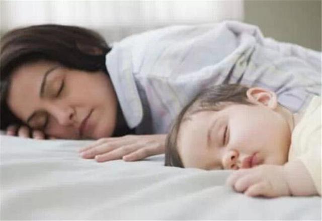 宝宝自主入睡