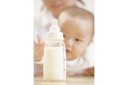 辟谣!喝奶粉的宝宝更容易长胖