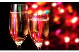 一杯冰镇起泡酒,畅爽过夏天 又名《起泡酒与香槟》 下